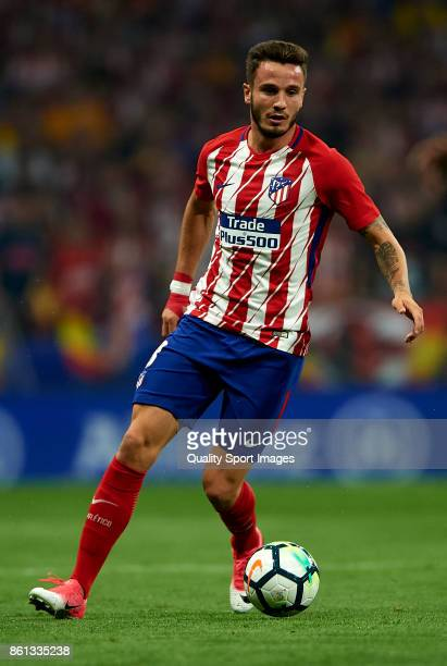 Saul Niguez of Atletico Madrid runs with the ball during the La Liga match between Atletico Madrid and Barcelona at Estadio Wanda Metropolitano on...