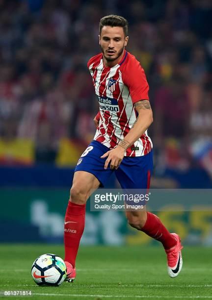 Saul Niguez of Atletico Madrid runs with the ball during the La Liga match between Atletico Madrid and Barcelona at Estadio Wanda Metropolitano on...