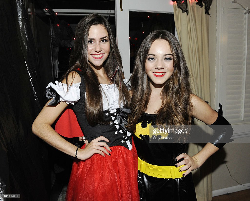 Savannah Lathem and Ava Allan attend pop singer Temara Melek's UNICEF Party on October 19, 2012 in Los Angeles, California.