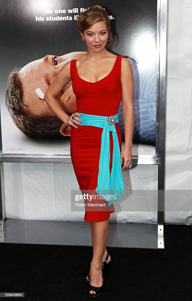 Savannah Wise attends the 'Here Comes The Boom' premiere at AMC Loews Lincoln Square on October 9, 2012 in New York City.