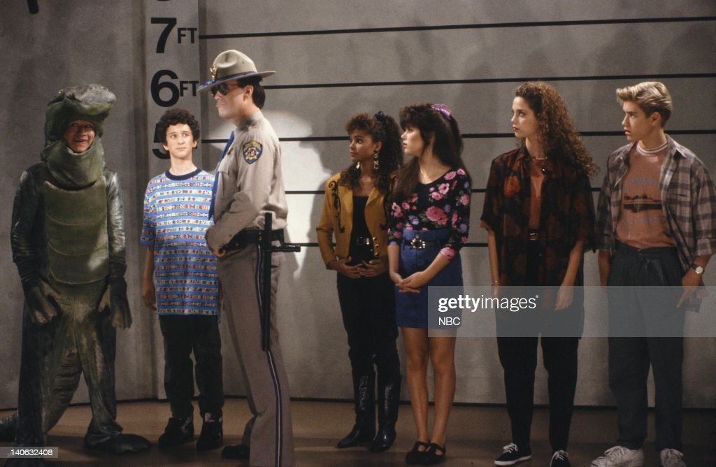 BELL -- 'Save That Tiger' Episode 16 -- Air Date -- Pictured: (l-r) Mario Lopez as A.C. Slater, Dustin Diamond as Screech Powers, Dennis Haskins as Mr. Richard Belding, <a gi-track='captionPersonalityLinkClicked' href=/galleries/search?phrase=Lark+Voorhies&family=editorial&specificpeople=4418212 ng-click='$event.stopPropagation()'>Lark Voorhies</a> as Lisa Turtle, Tiffani Thiessen as Kelly Kapowski, Elizabeth Berkley as Jessie Spano, Mark-Paul Gosselaar as Zachary 'Zack' Morris -- Photo by: Gary Null/NBCU Photo Bank