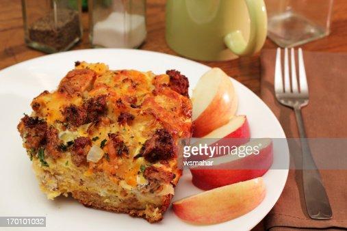 美味しい朝食のキャセロール料理
