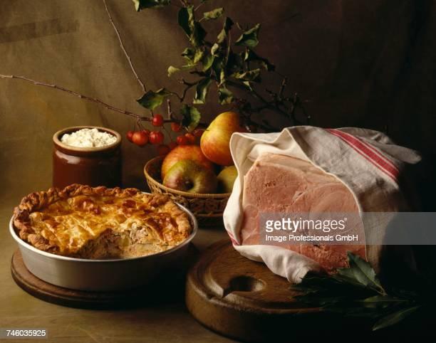 Savoury pie and boiled ham