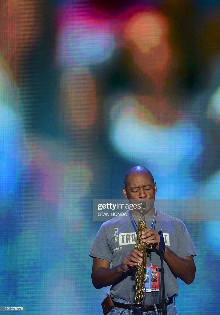 Saxophonist Branford Marsalis attends a sound check at the Time Warner Cable Arena in Charlotte, North Carolina, on September 5, 2012 ahead of events on the second day of the Democratic National Convention (DNC). The DNC is expected to nominate US President Barack Obama to run for a second term as president on September 6th. AFP PHOTO Stan HONDA