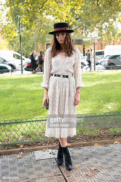 Say Lou Lou Musician Miranda Anna Kilbey wears all Chanel on day 8 during Paris Fashion Week Spring/Summer 2016/17 on October 6 2015 in Paris France...