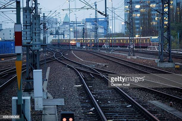 Bahn drives at Ostbahnhof railway station during a fourday strike by the GDL train drivers labor union on November 6 2014 in Berlin Germany The...