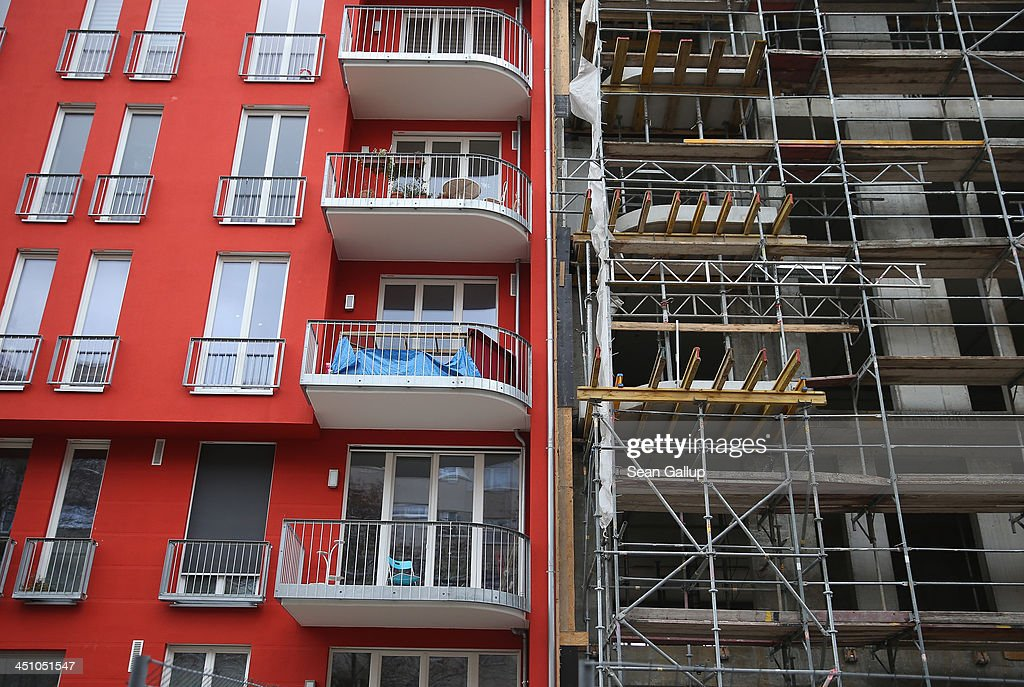 Low Interest Rates Spark Construction Boom Photos And Images