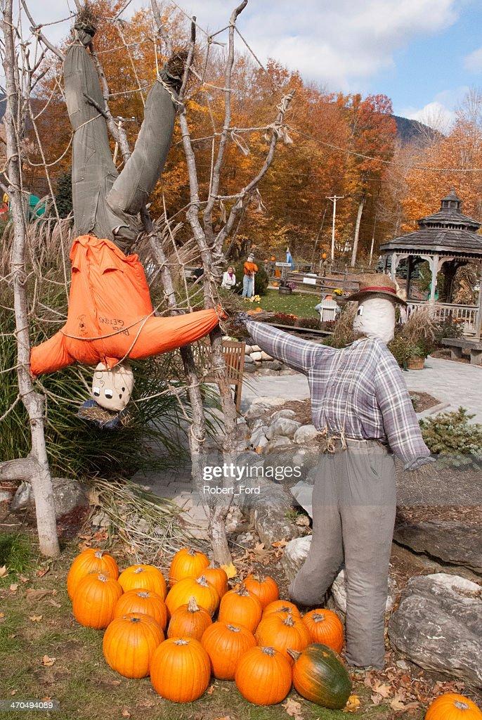 Scarecrows and Halloween displays Equinox Valley Vermont