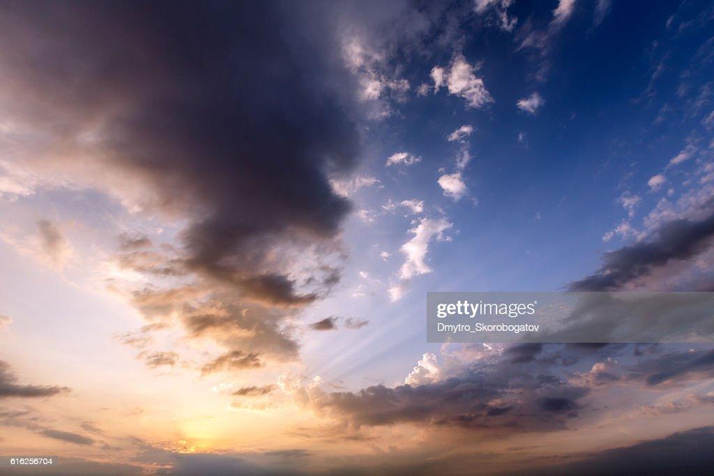 scarlet vanilla sky at sunset : Foto de stock