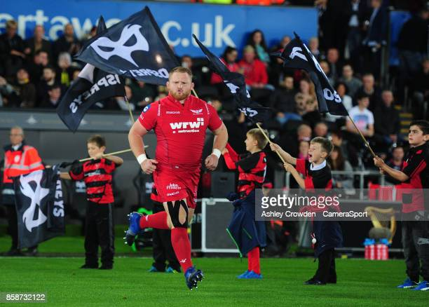Scarlets' Samson Lee takes to the field during the Guinness Pro14 Round 6 match between Ospreys and Scarlets at Liberty Stadium on October 7 2017 in...