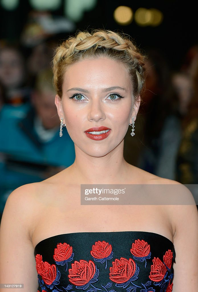 Scarlett Johansson attends Marvel Avengers Assemble European Premiere at Vue Westfield on April 19, 2012 in London, England. on April 19, 2012 in London, England.