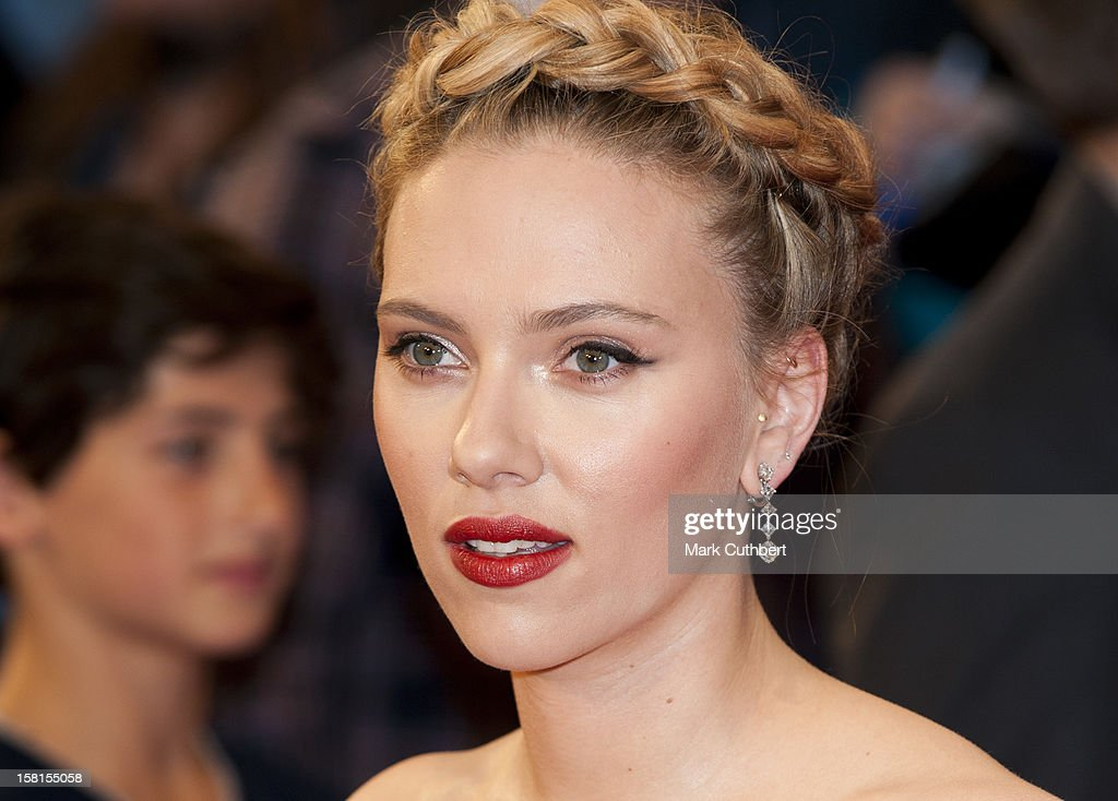 Scarlett Johansson Attends Marvel Avengers Assemble European Premiere At Vue Westfield On April 19, 2012 In London.