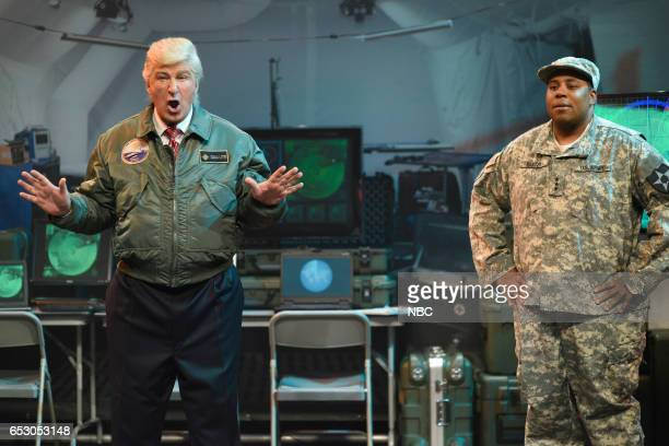 LIVE 'Scarlett Johansson' Episode 1720 Pictured Alec Baldwin as President Donald Trump and Kenan Thompson during the 'Alien Attack' Cold Open on...