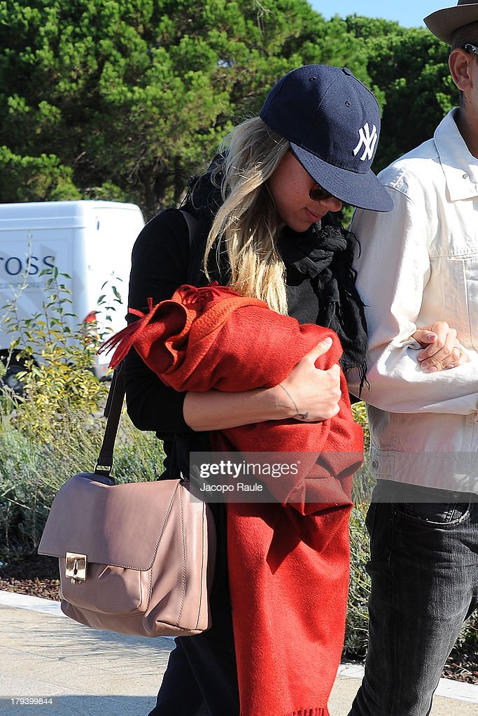<a gi-track='captionPersonalityLinkClicked' href=/galleries/search?phrase=Scarlett+Johansson&family=editorial&specificpeople=171858 ng-click='$event.stopPropagation()'>Scarlett Johansson</a> is seen arriving at Venice Airport during The 70th Venice International Film Festival on September 3, 2013 in Venice, Italy.