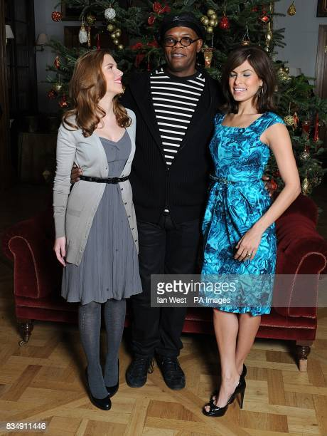 Scarlett Johansson Samuel L Jakcson and Eva Mendes attend a photocall to promote Frank Miller's latest film 'The Spirit' at the Mandarin Oriental in...