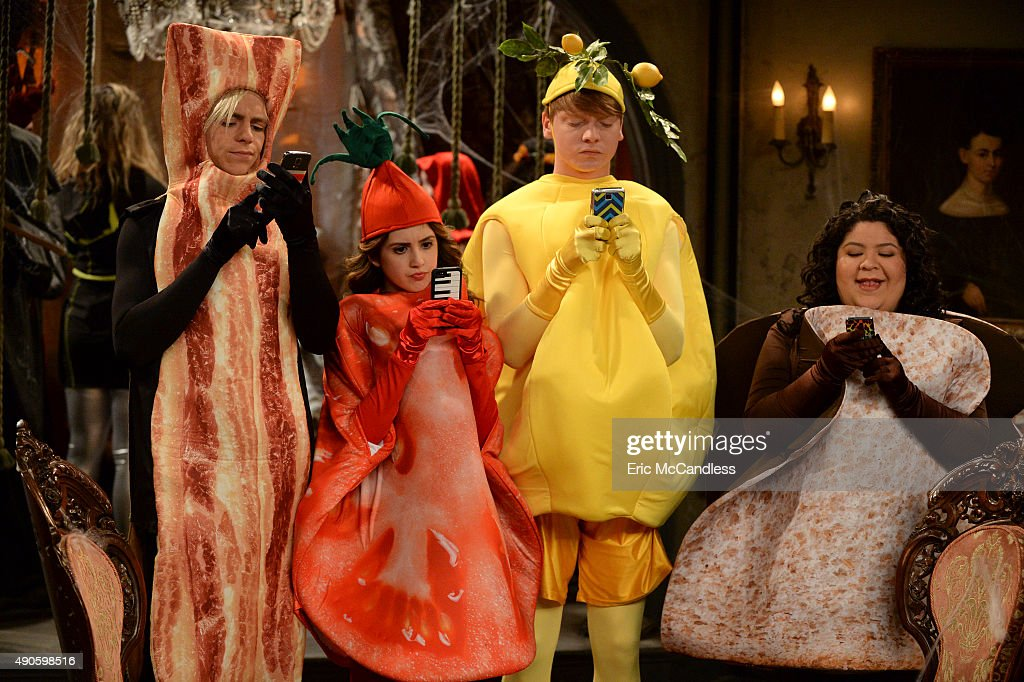 AUSTIN ALLY 'Scary Spirits Spooky Stories' While visiting New York the group attends the Central Park Spooktacular party which inspires them to tell...