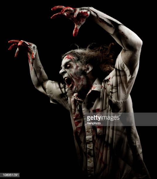 Unheimlich Zombie, auf schwarzem Hintergrund