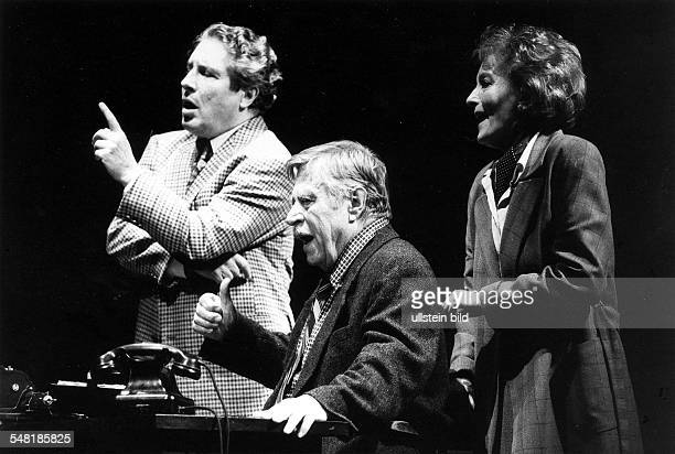 Scene from Jerry Sterner's play 'Other People's Money' with Susanne Uhlen Volker Brandt Robert Freitag in the Renaissance Theater Berlin direction...