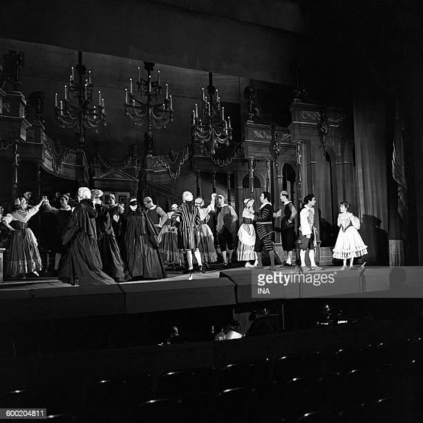 A scene of the opera of Mozart 'Don Giovanni' played the Festival of AixenProvence with to the right Ugo Trama Mariella Adani of back Luigi Alva and...