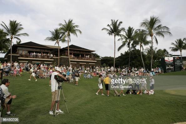 A scenic of Loren Roberts at the 18th green during the third and final round of the 2006 Mastercard Championship at Hualalai resort Kona Hawaii...