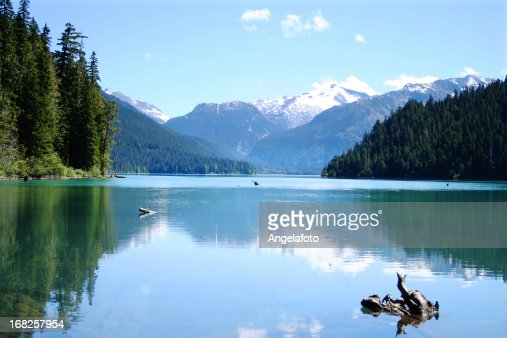 Scenic photo of the calm Cheakamus Lake