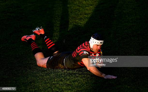 Schalk Brits of Saracens scores a try during the Aviva Premiership match between Worcester Warriors and Saracens at Sixways Stadium on December 28...