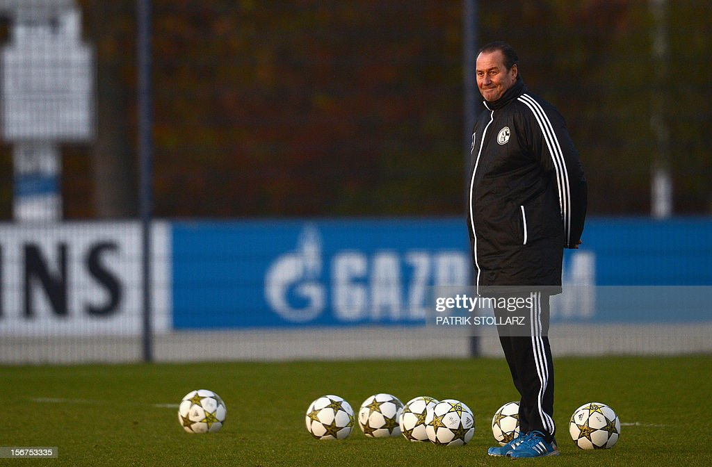 Schalke's Dutch head coach Huub Stevens oversees a training session at the training ground, in Gelsenkirchen, western Germany on November 20, 2012, on the eve of the UEFA Champions League football match against Olympiacos Piraeus.