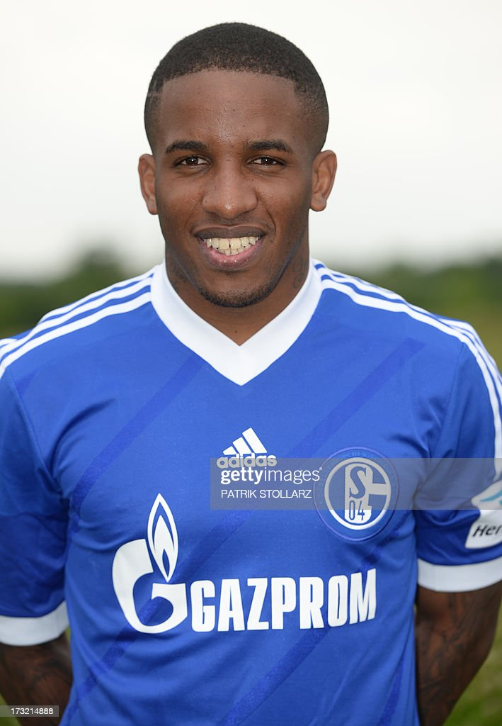 Schalke's Peruvian striker Jefferson Farfan poses during a team photo call of German first division Bundesliga football club FC Schalke 04, on July 10, 2013 at the grounds of the former coal mine 'Consolidation' in Gelsenkirchen, western Germany.
