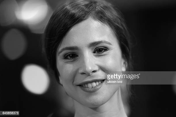 Schauspielerin Aylin Tezel während der Premiere des Eröffnungsfilms NOBODY WANTS THE NIGHT anlässlich der 65 Internationalen Filmfestspiele Berlin