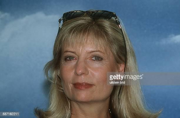 Schauspielerin D Februar 2002