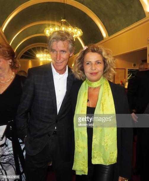 Schauspielerin Michaela May und Ehemann Bernd Schadewald aufgenommen auf der Feier zum 80 Geburtstag von Schauspieler Dieter Hallervorden im...
