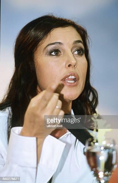Schauspielerin Monica Monica Bellucci während einer Pressekonferenz anlässlich der 51 Internationalen Filmfestspiele in Berlin