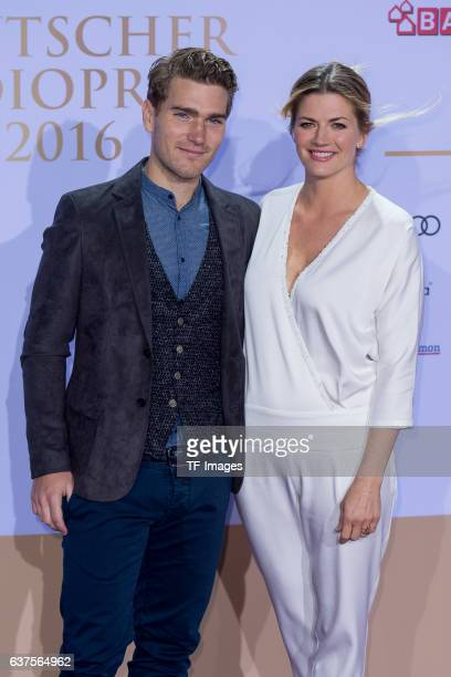 Schauspielerin Nina Bott mit Freund Benjamin attend the Deutscher Radiopreis 2016 on October 6 2016 in Hamburg Germany