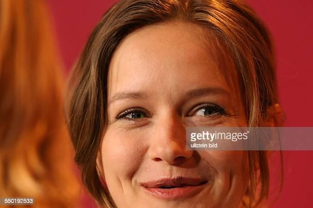 Schauspielerin Stefanie Stappenbeck während der Präsentation des Films Kömm Näher/Happy As One auf den 56 Internationalen Filmfestspielen in Berlin