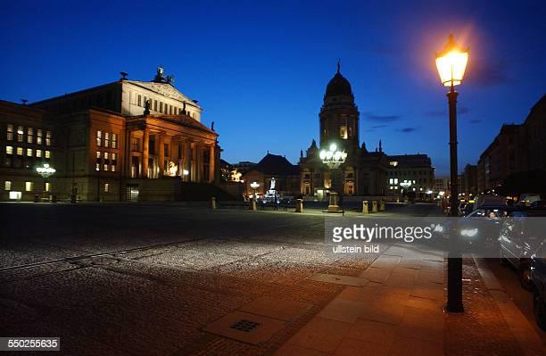 Schauspielhaus und der Französische Dom am Berliner Gedarmenmarkt