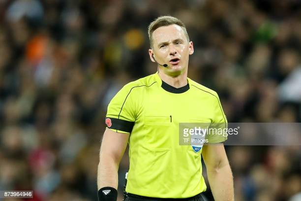 Schiedsrichter Cueneyt Cakr looks on during the international friendly match between England and Germany at Wembley Stadium on November 10 2017 in...