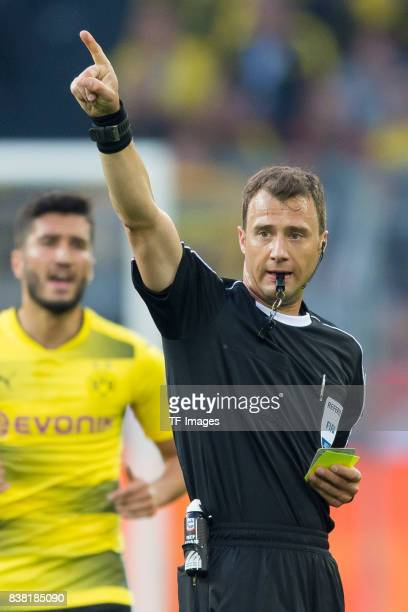 schiedsrichter Felix Zwayer gestures during the DFL Supercup 2017 match between Borussia Dortmund and Bayern Muenchen at Signal Iduna Park on August...