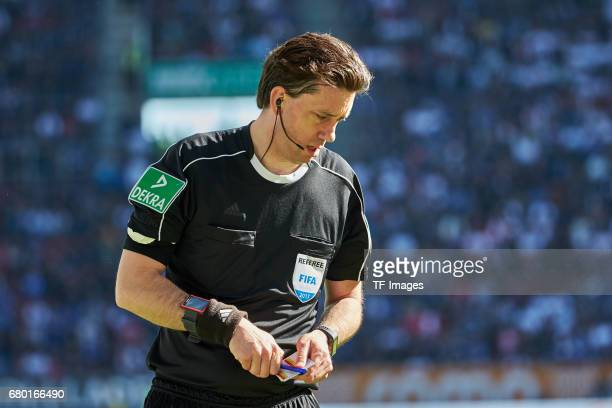 Schiedsrichter Manuel Gräfe looks on during the Bundesliga match between FC Augsburg and Hamburger SV at WWK Arena on April 30 2017 in Augsburg...