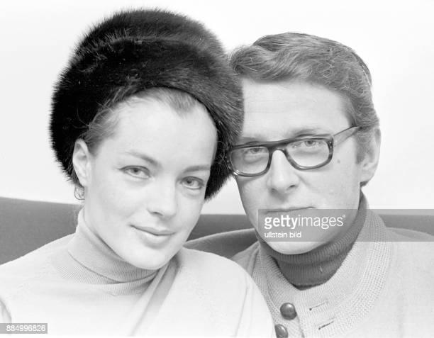 Schneider Romy Schauspielerin Oesterreich/D mit Ehemann Harry Meyen in ihrer Hamburger Wohnung