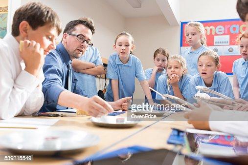 UK School children science lesson