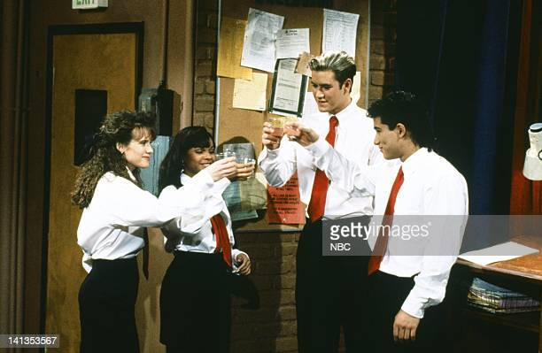 BELL 'School Song' Episode 24 Air Date Pictured Leanna Creel as Tori Scott Lark Voorhies as Lisa Turtle MarkPaul Gosselaar as Zack Morris Mario Lopez...