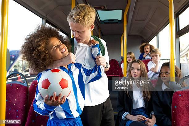 Schoolbus acosadores