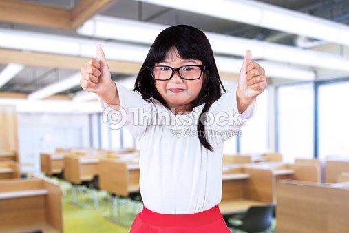 schoolgirl thumbs