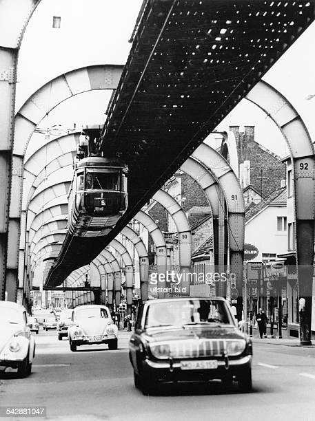 Schwebebahn in Wuppertal 1972
