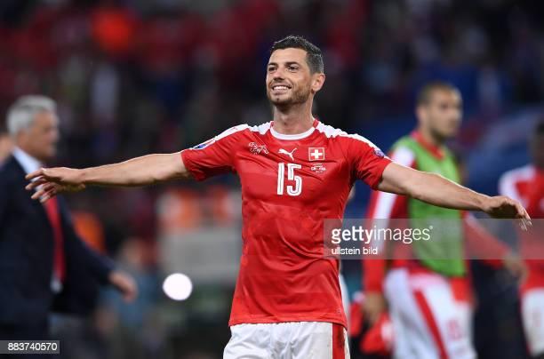 FUSSBALL Schweiz Frankreich Blerim Dzemaili freut sich nach dem Abpfiff