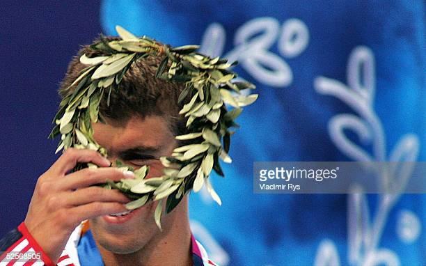 Schwimmen Olympische Spiele Athen 2004 Athen Lagen 400m / Maenner Gold und neuer Weltrekord fuer Michael PHELPS / USA 140804