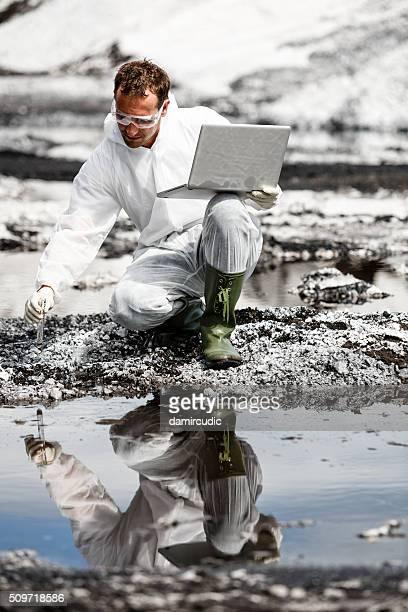 Scientifique de travail