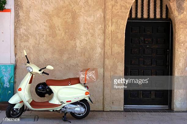 Scooter et porte