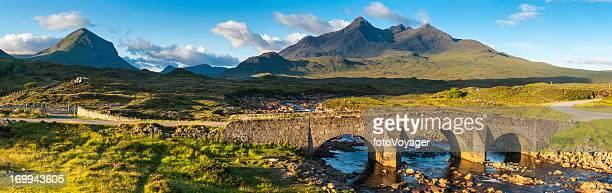 Schottland Cuillin Berggipfel über Sligachan Skye panorama