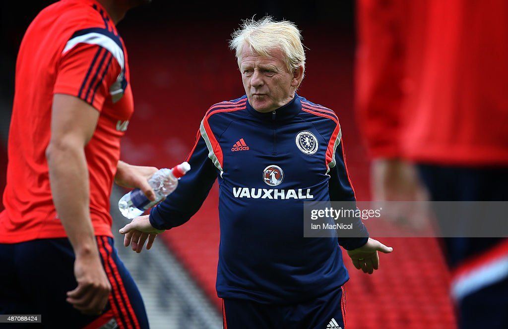 Scotland manager <a gi-track='captionPersonalityLinkClicked' href=/galleries/search?phrase=Gordon+Strachan&family=editorial&specificpeople=243133 ng-click='$event.stopPropagation()'>Gordon Strachan</a> looks on during a training session, ahead of their UEFA Euro 2016 qualifier against Germany, at Hampden Park on September 06, 2015 in Glasgow, Scotland.